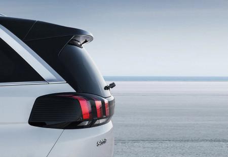 2020 Kasım Ayının SUV Modeli: Dinamik Çizgileriyle Peugeot 5008