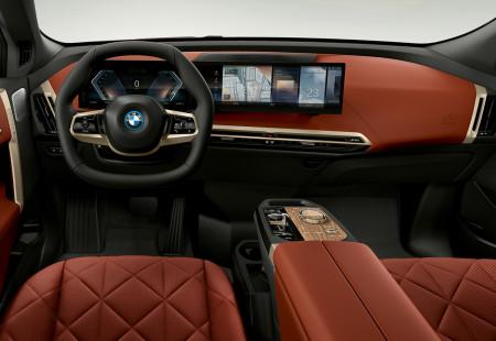 BMW Efsanesi Olacak iX Modeli Tanıtıldı