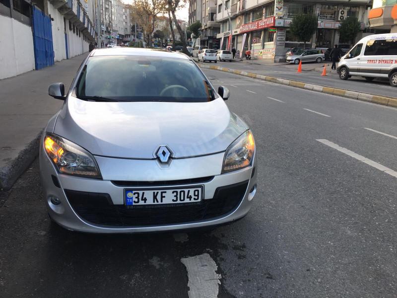 Renault Megane 1.6 16V Otomatik Privilege Ağır Hasarlı