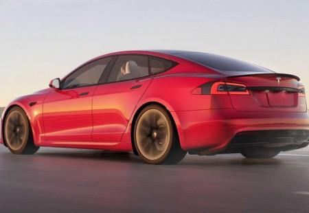 Makyajlı Tesla Model S 3 Haziran'da Teslim Edilecek