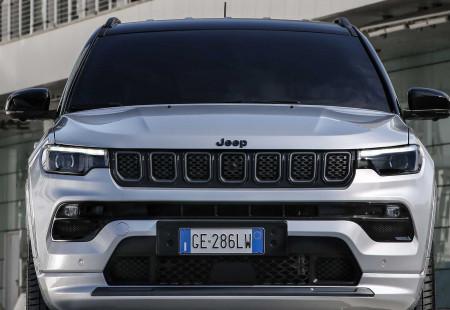 Yenilenen Jeep Compass Türkiye'de!