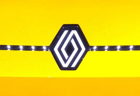 Renault ZOE Yerini R5'e Bırakacak!