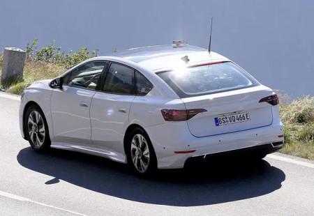 Volkswagen'in Passat Boyutlarındaki Elektrikli Sedanı Görüntülendi