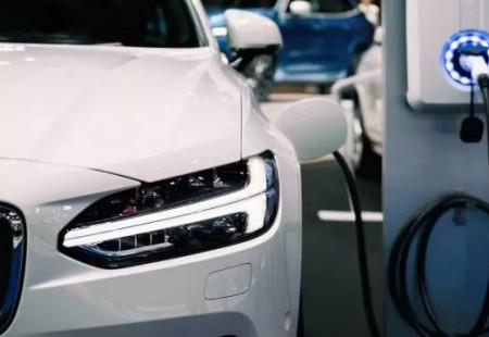 Avrupa'da Elektrikli ve Hibrit Otomobiller Oldukça Popüler